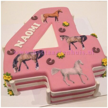 Paarden taart cijfer 4