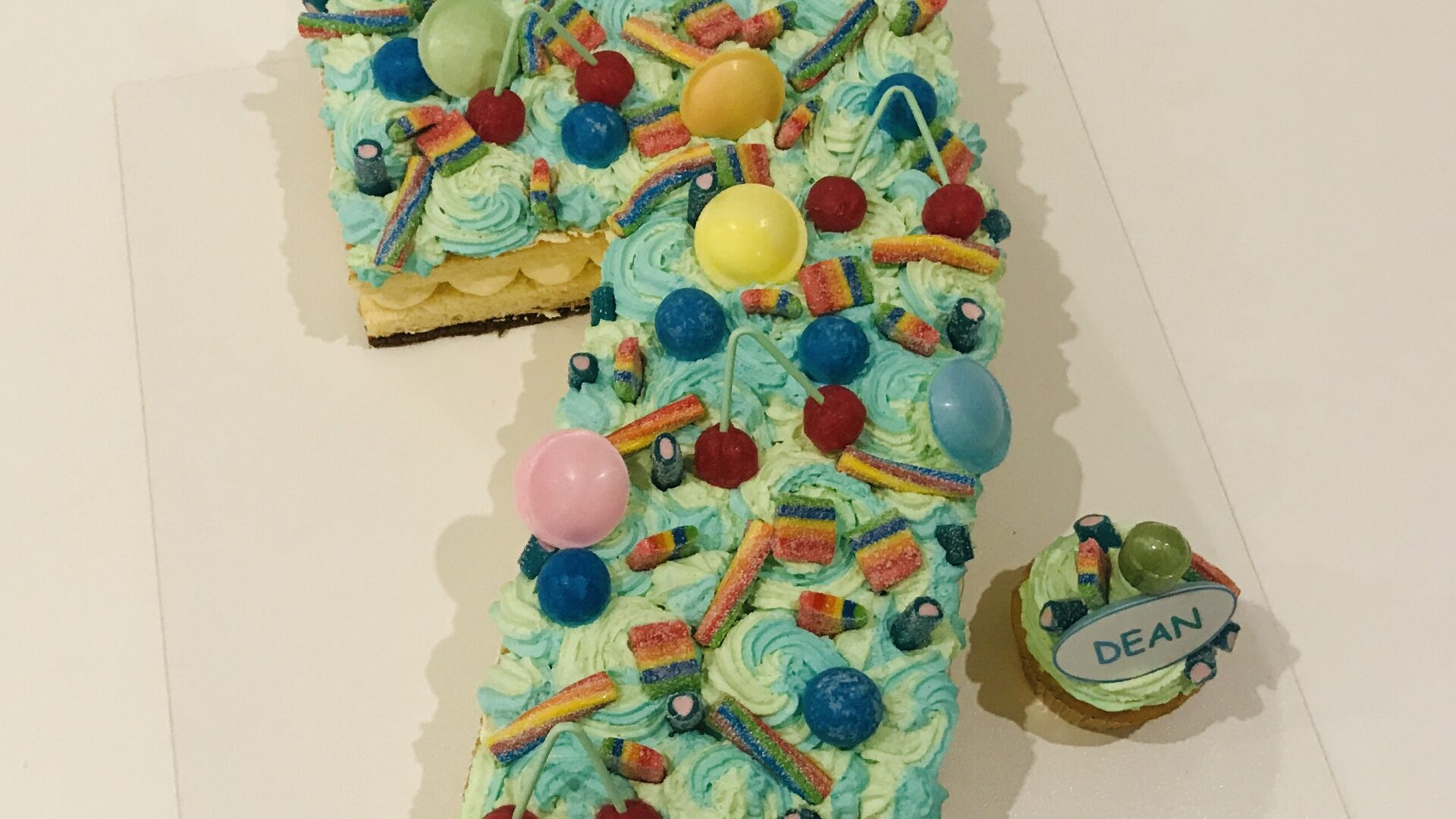 Cijfer 7 naked cake DEAN