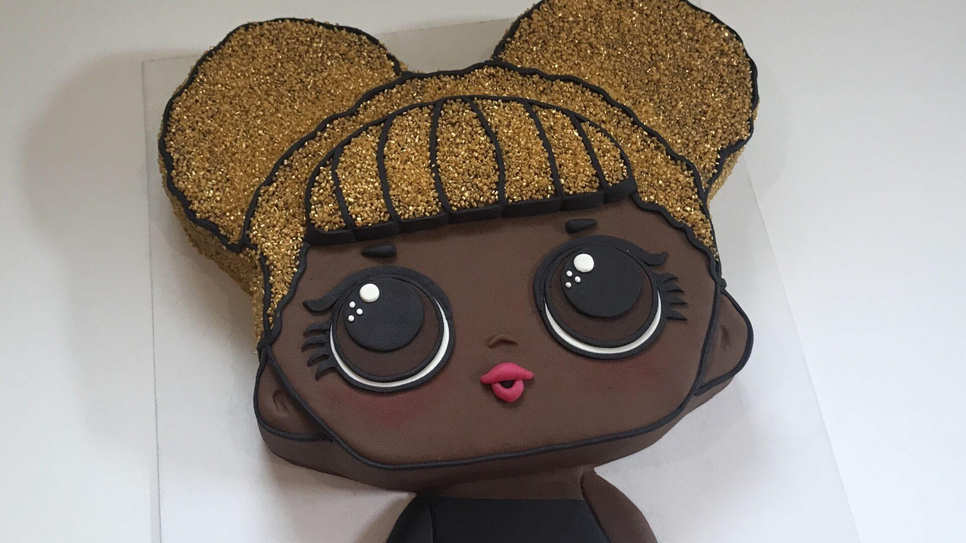 LOL Surprise Queen B taart