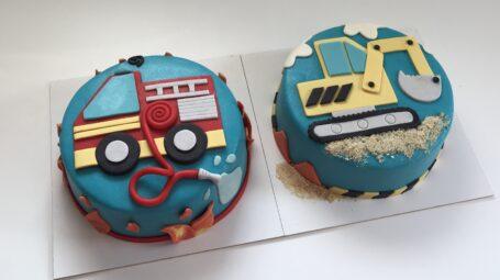 Brandweerauto taart en Graafmachine taart
